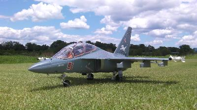 READY2FLY YAK130 90mm 12B Electric RC e-Jet